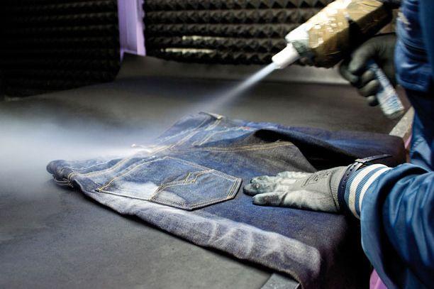 Denim-garments-treated-by-Martelli-27717-detailp
